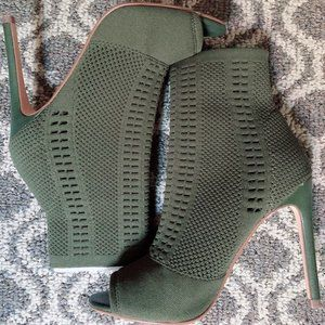 Heels Candid Olive Fab. by Steve Madden
